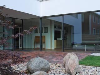 Terrasse:  Häuser von JÖRN KNOP ARCHITEKt+INNENARCHITEKT
