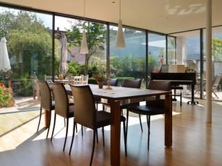 SPE15 - Wohnhaus Moderne Esszimmer von JÖRN KNOP ARCHITEKt+INNENARCHITEKT Modern