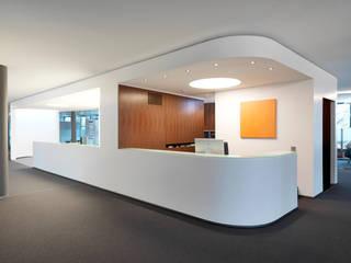 Büroräume List Bau, Nordhorn Moderne Bürogebäude von JÖRN KNOP ARCHITEKt+INNENARCHITEKT Modern