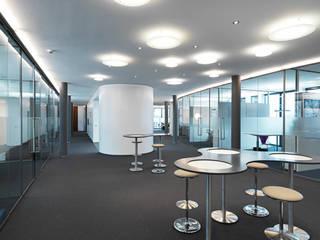 Büroräume List Bau, Nordhorn Minimalistische Bürogebäude von JÖRN KNOP ARCHITEKt+INNENARCHITEKT Minimalistisch