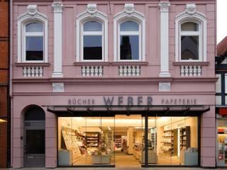 Buch & Papeterie Weber Moderne Ladenflächen von JÖRN KNOP ARCHITEKt+INNENARCHITEKT Modern