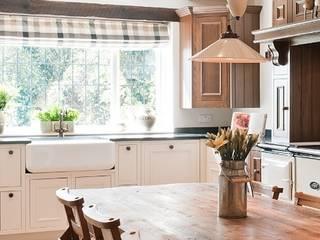 Crompton Kitchen Painted Oak: country Kitchen by Belvoir Interiors Ltd