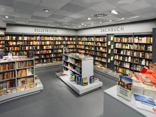Buch & Papeterie Weber Minimalistische Ladenflächen von JÖRN KNOP ARCHITEKt+INNENARCHITEKT Minimalistisch