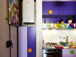 Cucina Ingresso: Cucina in stile in stile Moderno di Diciassette Tredici