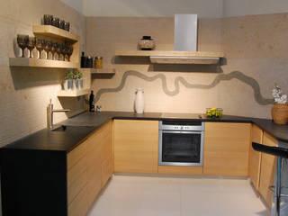Cocinas de estilo  de Ogle luxury Kitchens & Bathrooms, Moderno