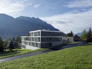 Spiel der Ebenen:   von Gohm Hiessberger Architekten