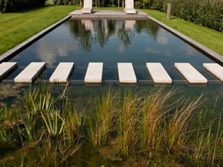 モダンスタイルの プール の Kodde Architecten bna モダン