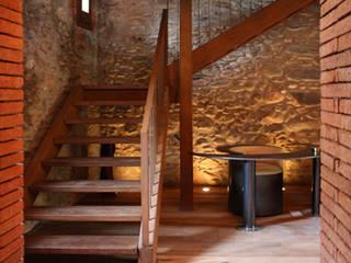 - Pasillos, vestíbulos y escaleras de estilo clásico de ruiz carrion espais Clásico