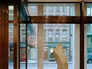 ASTEC ARCHITECTURAL BRONZE Ingresso, Corridoio & Scale in stile moderno di ASTEC Moderno