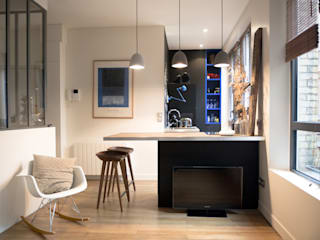 Atelier Grey Modern kitchen