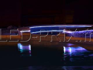 Illuminer les contours de votre piscine avec de la fibre optique néon par LED-PRIX.fr Moderne