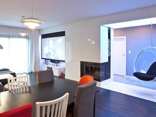 Wnętrze FOLK : styl , w kategorii Salon zaprojektowany przez KLIFF DESIGN