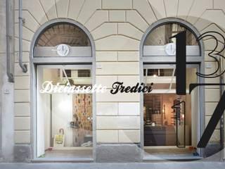 Ingresso Via dei Servi 116/118r 50122 Firenze:  in stile  di Diciassette Tredici