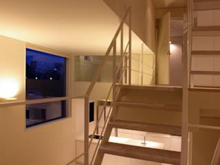House I Ingresso, Corridoio & Scale in stile minimalista di 森吉直剛アトリエ/MORIYOSHI NAOTAKE ATELIER ARCHITECTS Minimalista