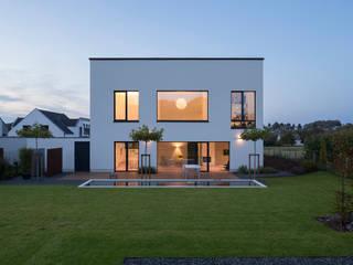 Gartenseite Haus F+H:  Häuser von SCHAMP & SCHMALÖER