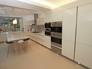 Gloss Kitchens de LWK London Kitchens Moderno