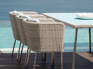 Fiji Dining Gartenstuhl mit Armlehne:  Garten von KwiK Designmöbel GmbH