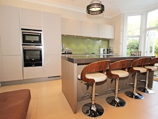 Matt Kitchens Cocinas modernas de LWK London Kitchens Moderno