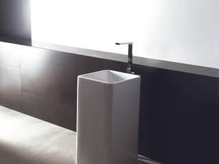 Lavabo EDGE FREE: Baños de estilo  de CAZAÑA DESIGN S.L.