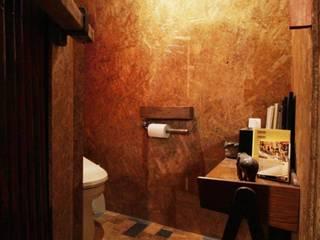Baños de estilo ecléctico de HandiHouse project Ecléctico