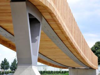 Spannbandbrücke:  Messe Design von ANNABAU