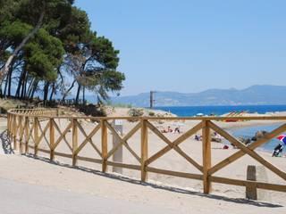 Mediterranean style walls & floors by Fitor Forestal SL Mediterranean
