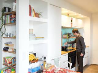 Appartement TM #9: Cuisine de style de style Moderne par ATELIER R ARCHITECTES