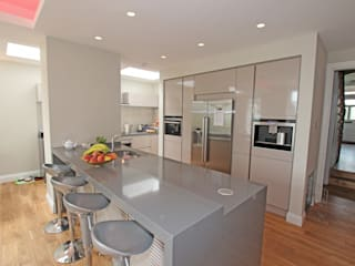 Gloss Kitchens Modern kitchen by LWK London Kitchens Modern