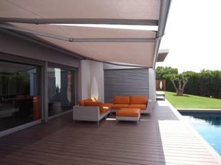 Modern balcony, veranda & terrace by KITS INTERIORISME Modern