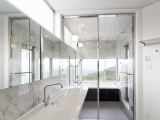 道後白水台の家: 株式会社細川建築デザインが手掛けた浴室です。