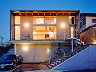 現代房屋設計點子、靈感 & 圖片 根據 久保田英之建築研究所 現代風