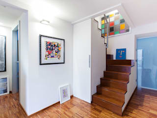 Modern Corridor, Hallway and Staircase by Stefania Paradiso Architecture Modern