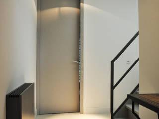 NokNok Pasillos, vestíbulos y escaleras modernos