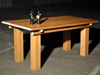 Houten tafel van NokNok Klassiek