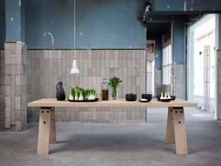 Branch eettafel voor Odesi (NL) van Marc Th. van der Voorn Scandinavisch