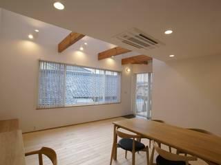 Ⅰ邸 オリジナルデザインの リビング の 伊達剛建築設計事務所 オリジナル