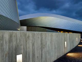 The Blue Planet - SIMES BLINKER - 3XN Architects: Centri congressi in stile  di Simes Spa