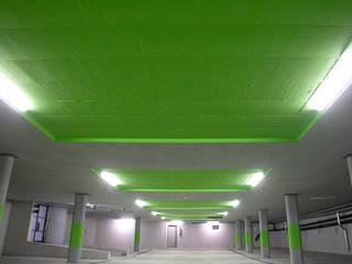 Wohnüberbauung Linde . Oberuster 2006 . stemmle++architekten:  Garage & Schuppen von nachtaktiv GmbH