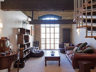 Millennium Drive : Mezzanine Space Rustic style living room by Nic Antony Architects Ltd Rustic