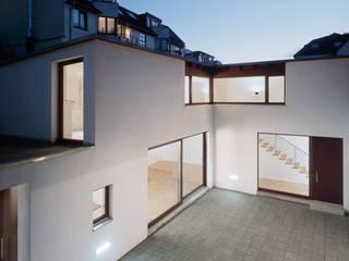 Maisons classiques par Architekturbüro Klaus Zeller Classique