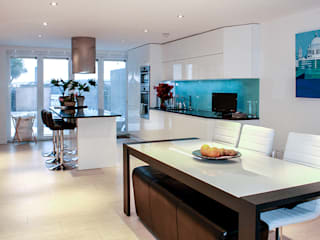 Interior House Remodelling, London E14 Cocinas de estilo moderno de Nic Antony Architects Ltd Moderno