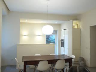 """Soggiorno """"open space"""": Soggiorno in stile in stile Moderno di lastArch - lattanzistatellaArchitetti"""