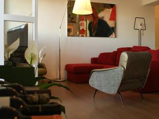 Casa Umanesimo Soggiorno moderno di Si Può Fare architetti associati Moderno