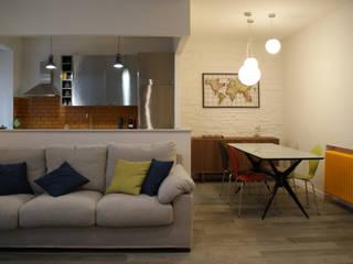 Casa Barbazza Soggiorno moderno di Si Può Fare architetti associati Moderno