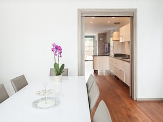 New Build House, London Nic Antony Architects Ltd Modern dining room