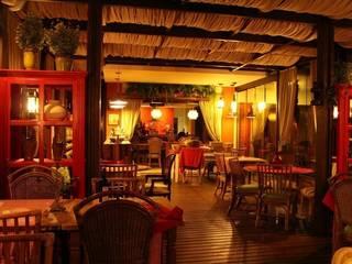 TOFANI RISTORANTE: Espaços gastronômicos  por ALA Arquitetura & Interiores,Colonial