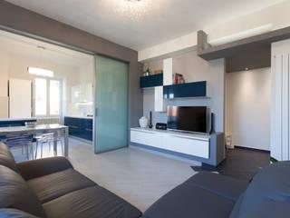 Fabrizio De Rosa Architetto 现代客厅設計點子、靈感 & 圖片