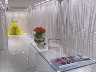 Stoneville Recycled Glass Flooring for On Motcomb, Knightsbridge, UK Kantor & Toko Modern Oleh Stoneville (UK) Ltd Modern