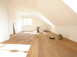 Gimnasios de estilo  por Home Staging Cornelia Reichel