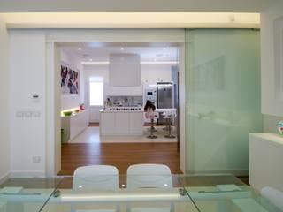 CASA SG 14: Sala da pranzo in stile in stile Moderno di CalìArchitetti